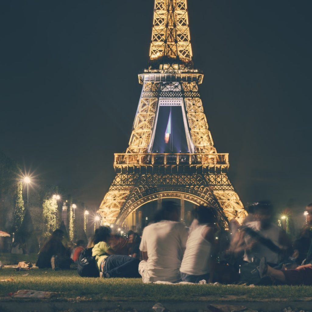 Creative dating in Paris