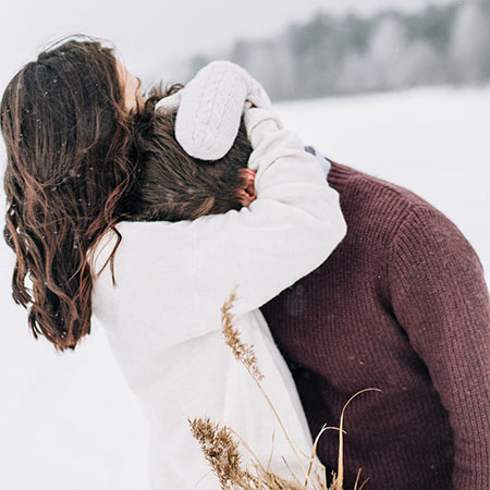 5 Traits That Are Considered Clingy In A Relationship